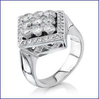 18k white diamond ring