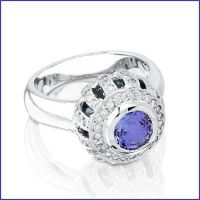 18k white gold ladies diamond ring with tanzanite