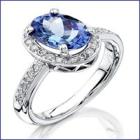 18k white gold ring with diamonds and tanzanite center stone